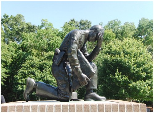 Dedicated on June 15, 2001, the Law Enforcement Memorial Park honors officers who gave their lives in the line of duty.