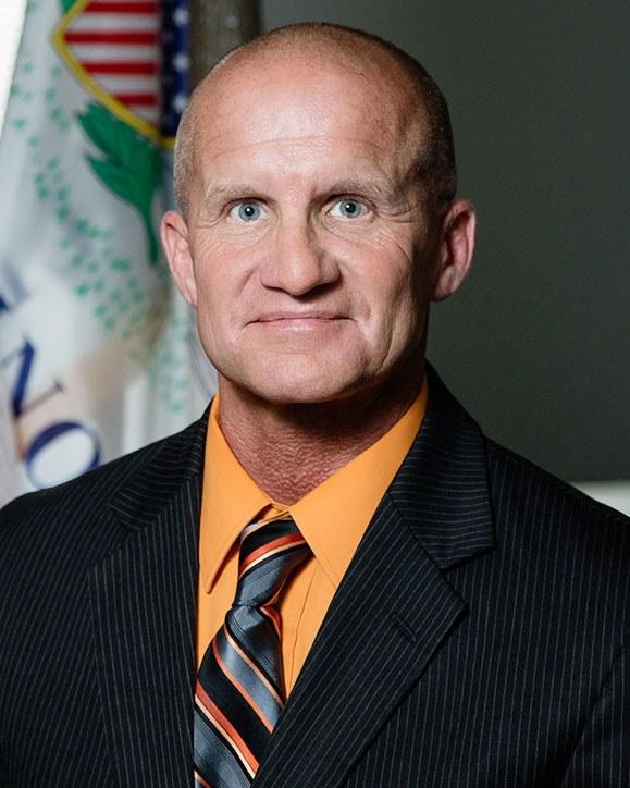 Dr. Michael Schlosser