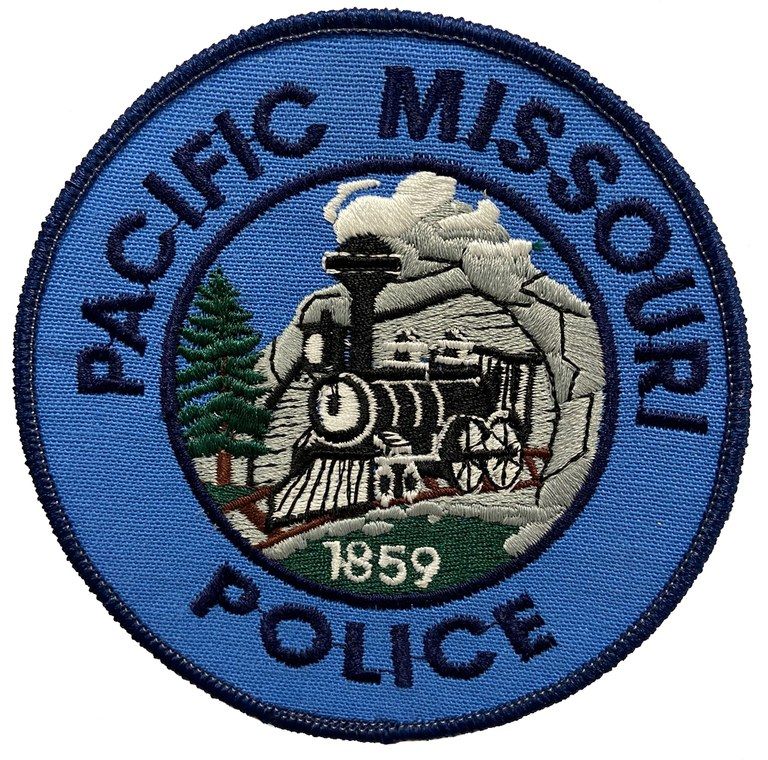 The should patch of the Pacific, Missouri, Police Department.